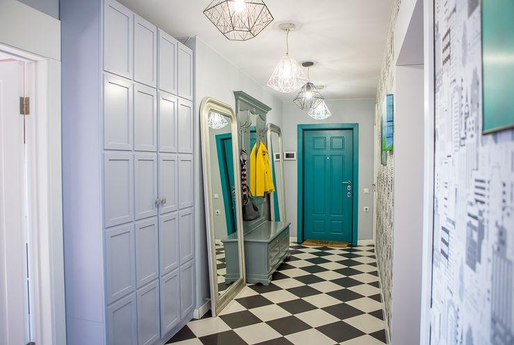 Квартира в Москве 100м2 (дизайнер Мария Соловьёва-Сосновик) Фотограф Анна Киселева Коридор, прихожая и лестница в эклектичном стиле