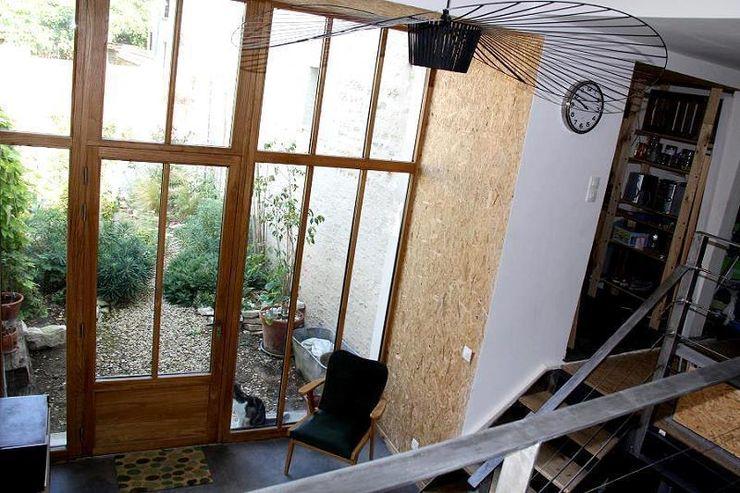 Atelier d'Ersu & Blanco 現代風玄關、走廊與階梯