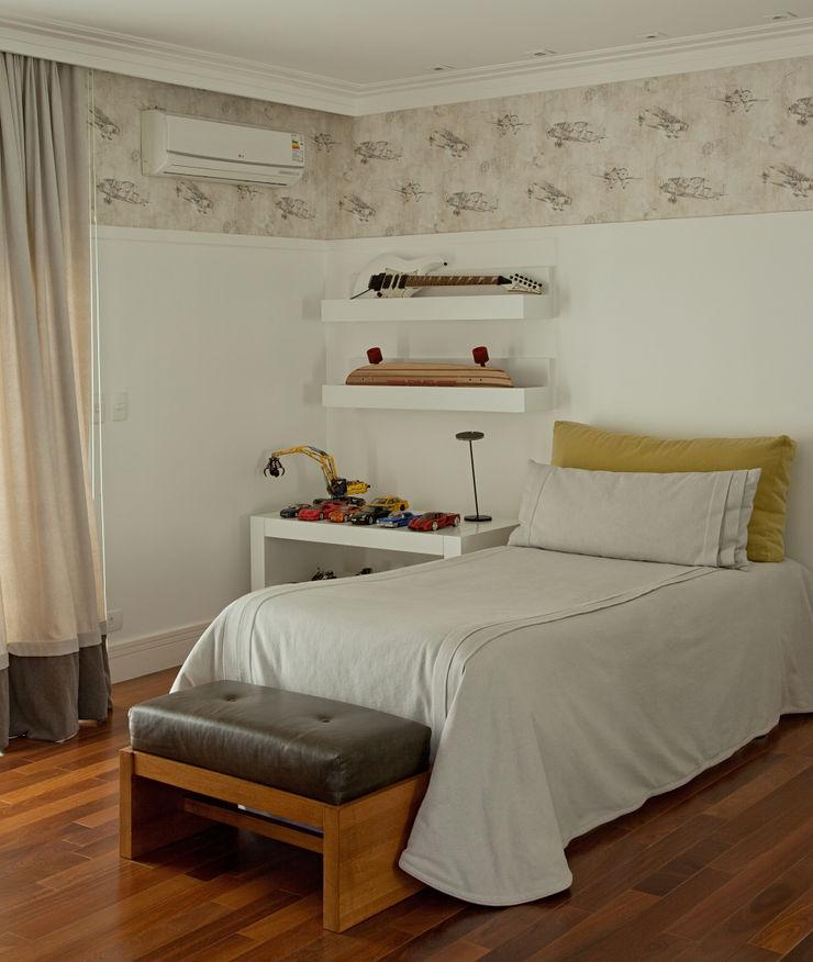Vilma Massud Design de Interiores Modern nursery/kids room
