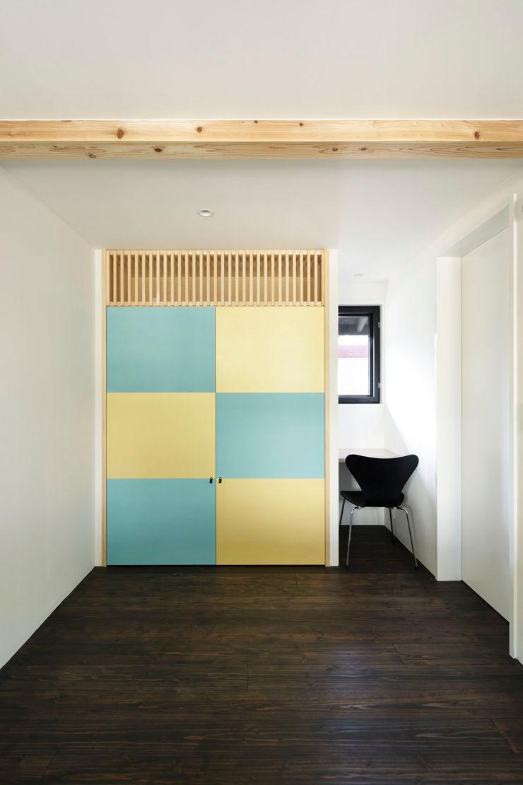 寝室 山田伸彦建築設計事務所 モダンスタイルの寝室
