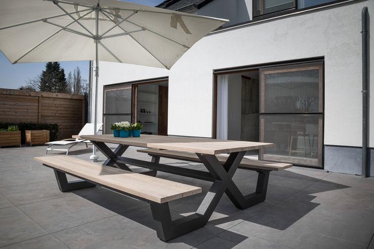 GIASIL Balkon, Beranda & Teras Minimalis