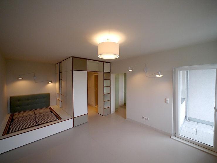 Apartment S van risk Moderne Schlafzimmer