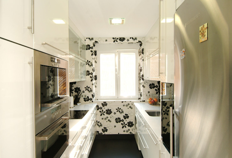 PRIBURGOS SLU Modern style kitchen
