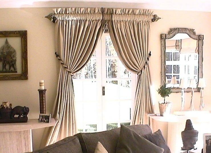 Second Sitting Room, Moor Park, Farnham Renaissance Interiors Eclectic style living room