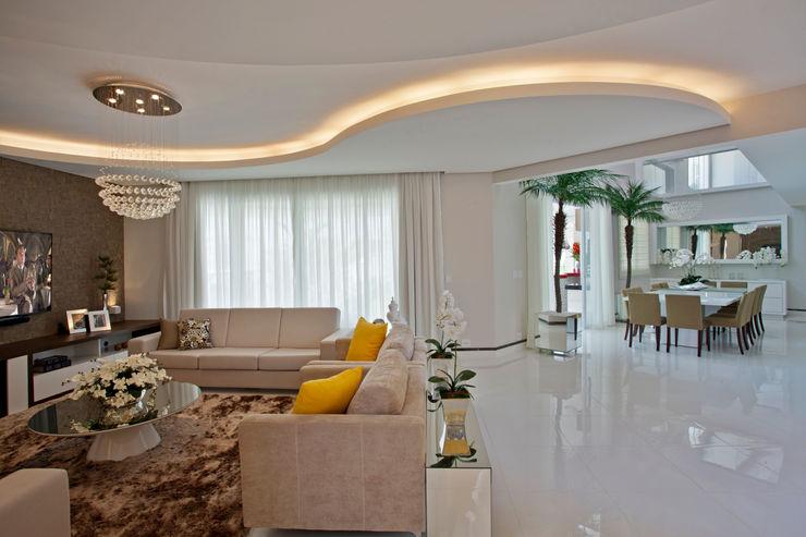 Casa Swiss Park Campinas II Designer de Interiores e Paisagista Iara Kílaris Salas de estar modernas
