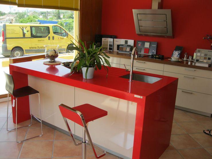 Isla en rosso monza marmoles la pedrera CocinaEncimeras