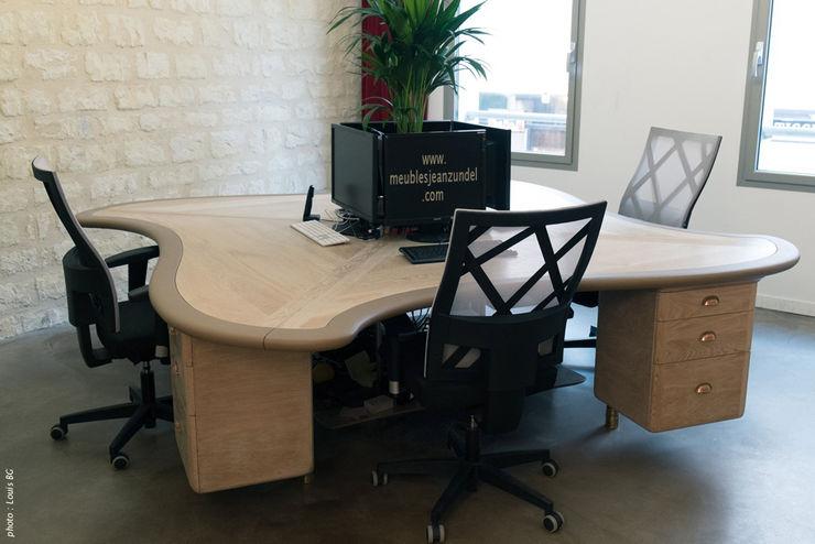 """Bureau """"4 postes"""" - vue d'ensemble Jean Zündel meubles rares Espaces de bureaux classiques"""