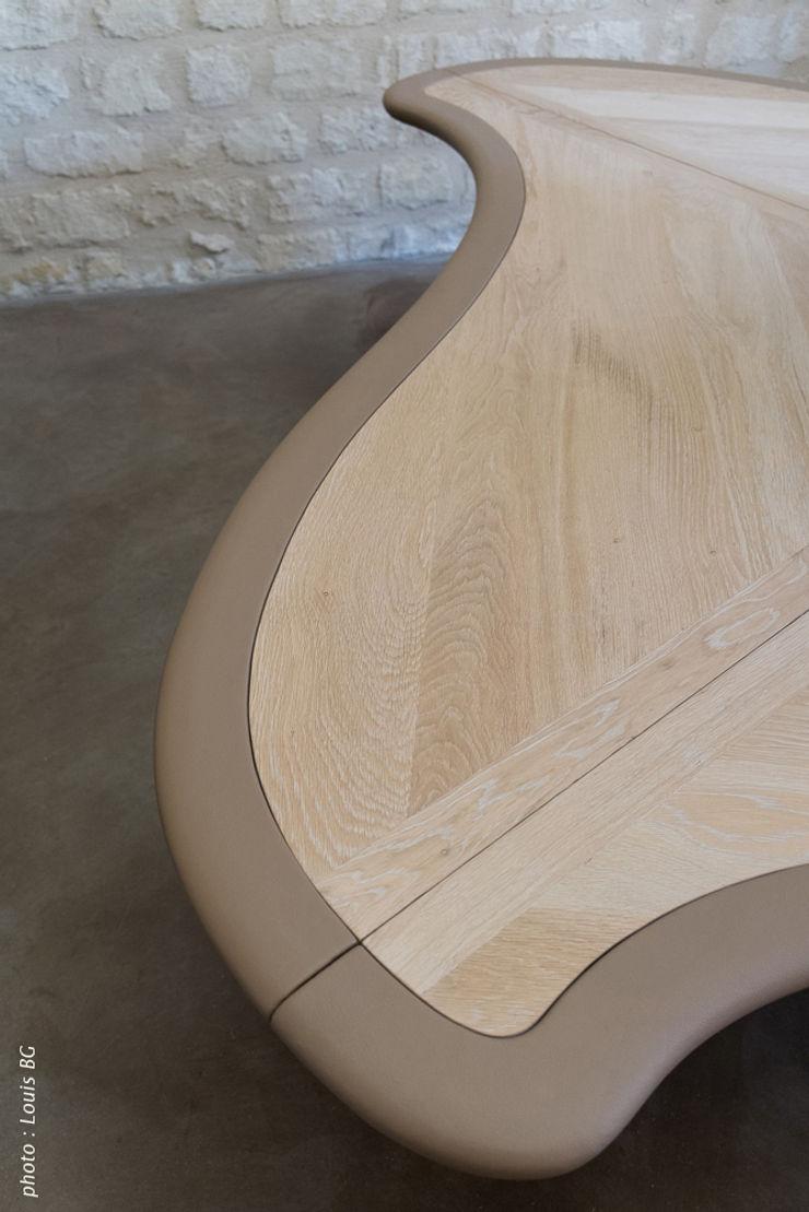 """Bureau """"4postes"""" - détail surface et bordure cuir Jean Zündel meubles rares Espaces de bureaux classiques"""