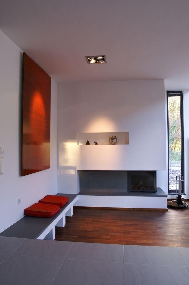 wirges-klein architekten Salas de estilo moderno