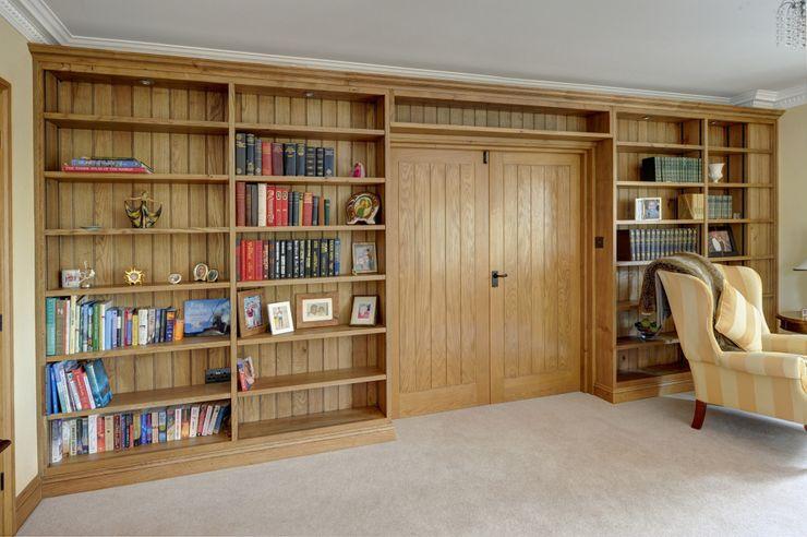 Oak Book Shelves Hallwood Furniture Bureau classique