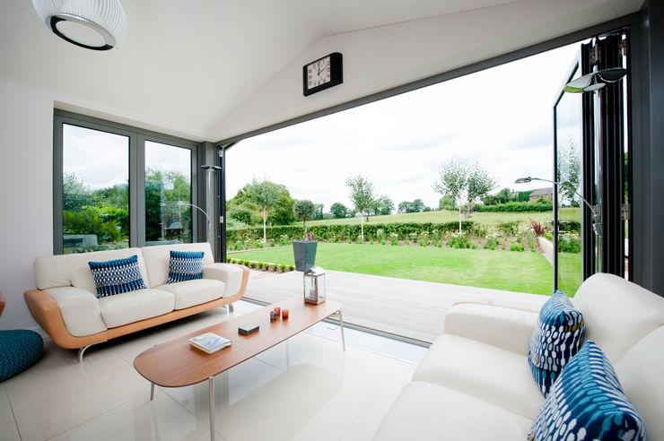 Modern Kitchen / Lounge Extension homify Jardin d'hiver moderne