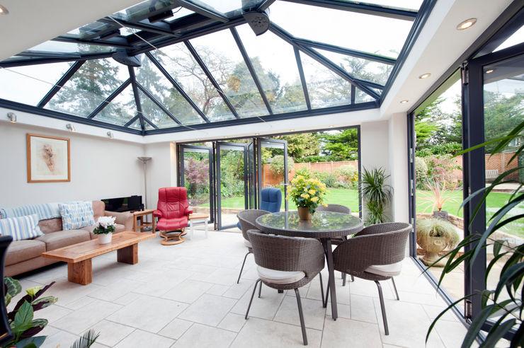 Modern Garden Room homify Modern conservatory