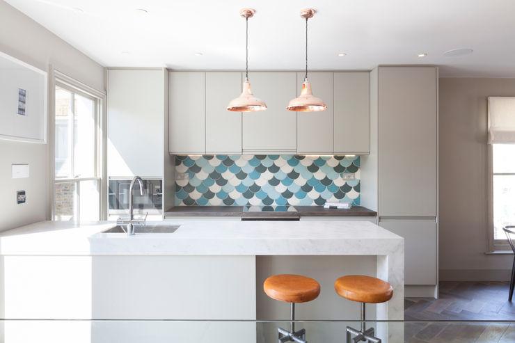 Kitchen homify Modern style kitchen
