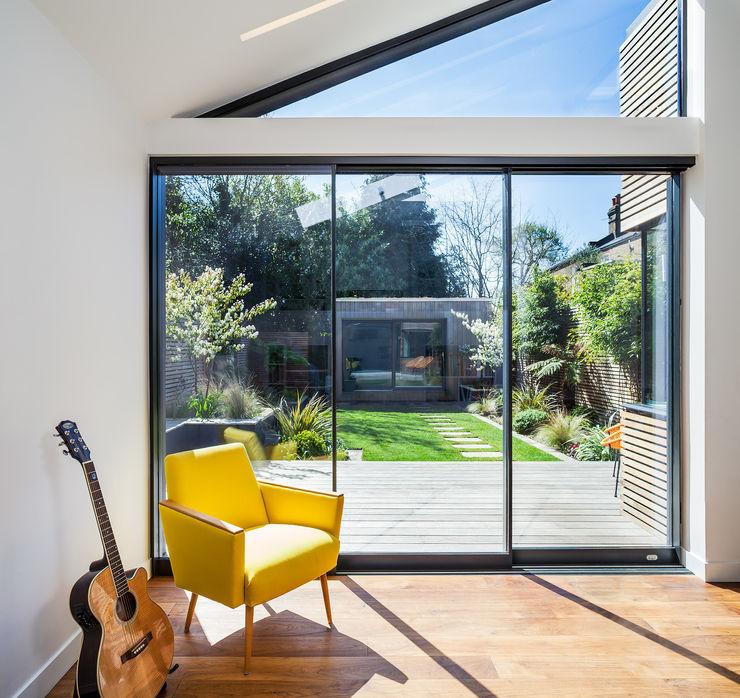 Winchmore Hill, London Maxlight Nowoczesne okna i drzwi