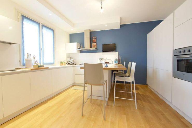 Cucina con penisola Modularis Progettazione e Arredo Cucina moderna