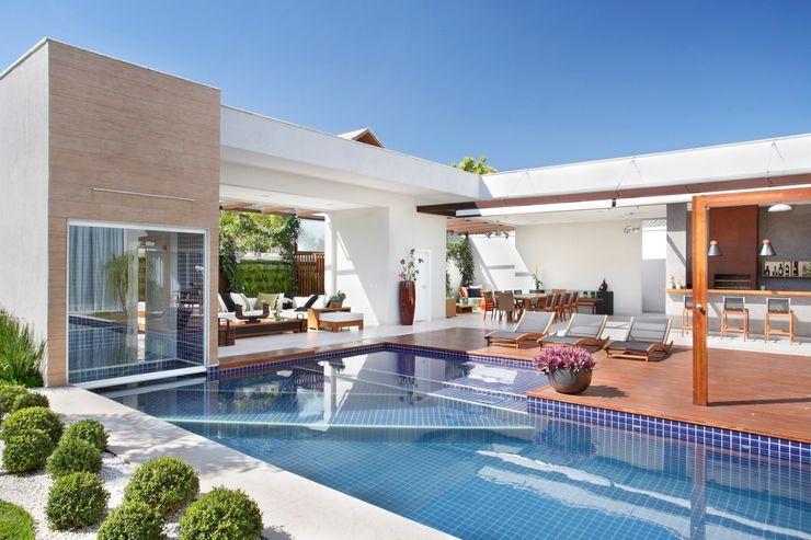 ANGELA MEZA ARQUITETURA & INTERIORES Modern Houses
