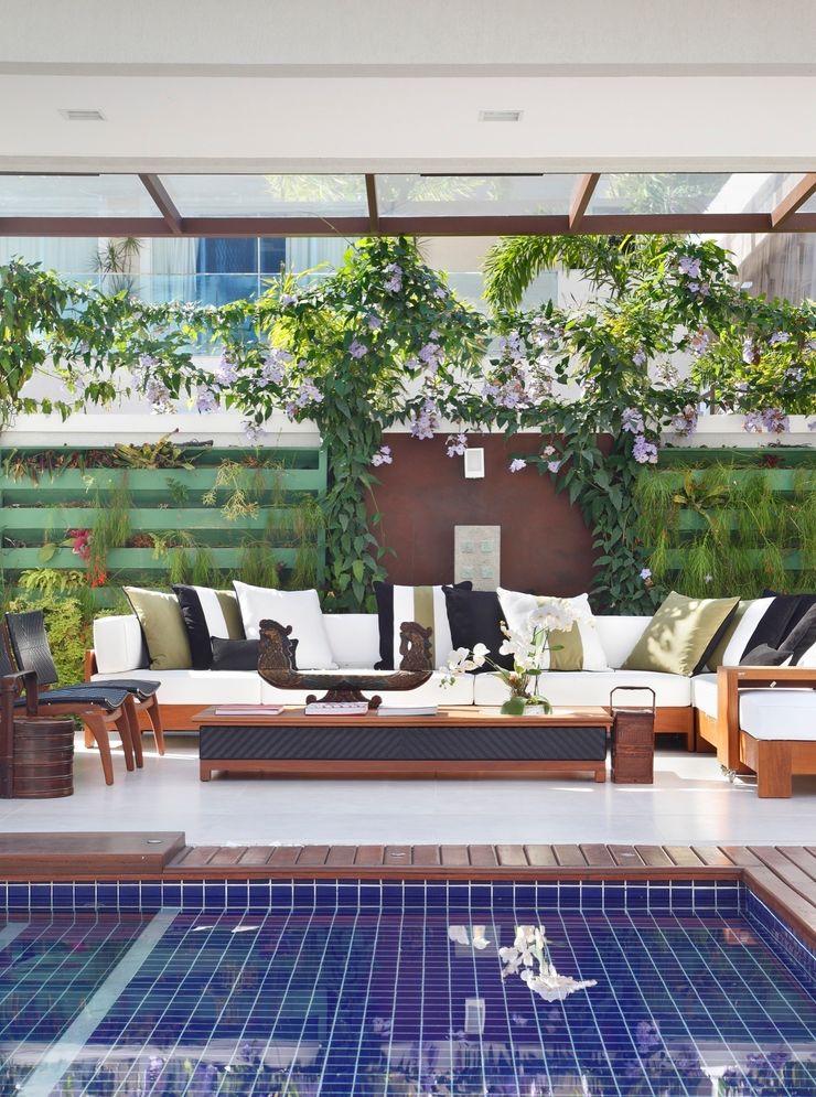 ANGELA MEZA ARQUITETURA & INTERIORES Modern Terrace