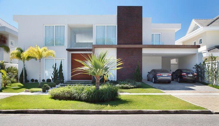 ANGELA MEZA ARQUITETURA & INTERIORES Casas de estilo moderno