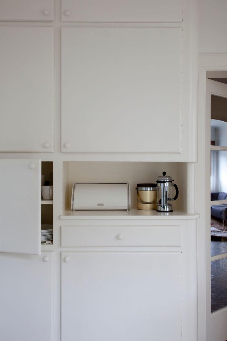 studio k Modern kitchen