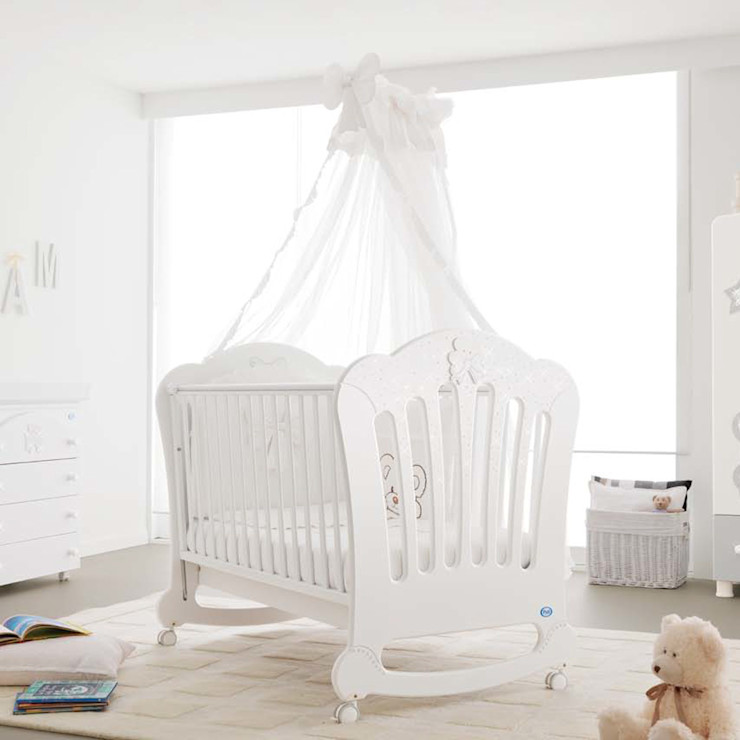 'Prestige Principe' baby cot by Pali homify Nursery/kid's roomBeds & cribs Wood White