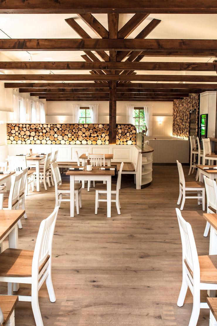 CHristian Bogner GmbH Living Art Country style gastronomy