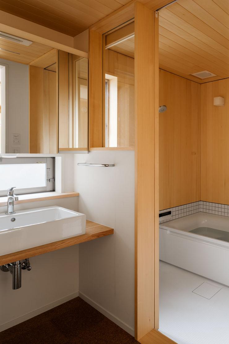 トンガリの家 株式会社リオタデザイン モダンスタイルの お風呂