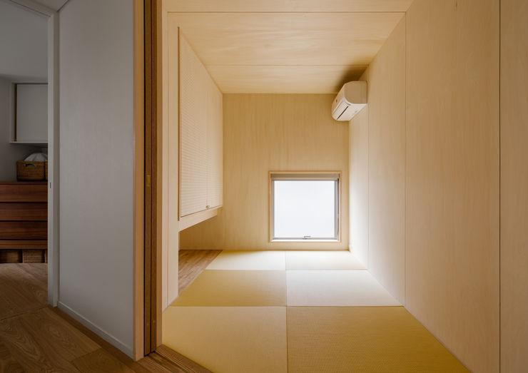 トンガリの家 株式会社リオタデザイン モダンデザインの 多目的室