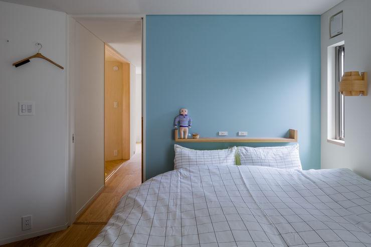 トンガリの家 株式会社リオタデザイン モダンスタイルの寝室