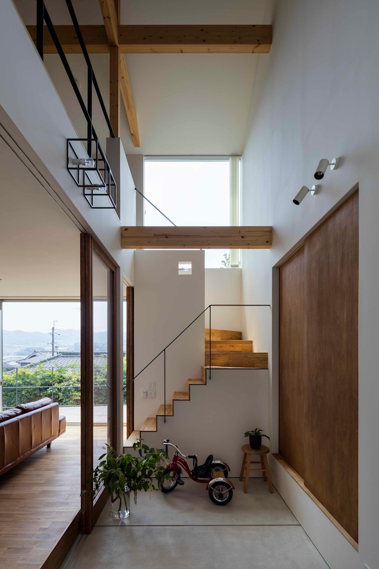 arbol Modern Corridor, Hallway and Staircase