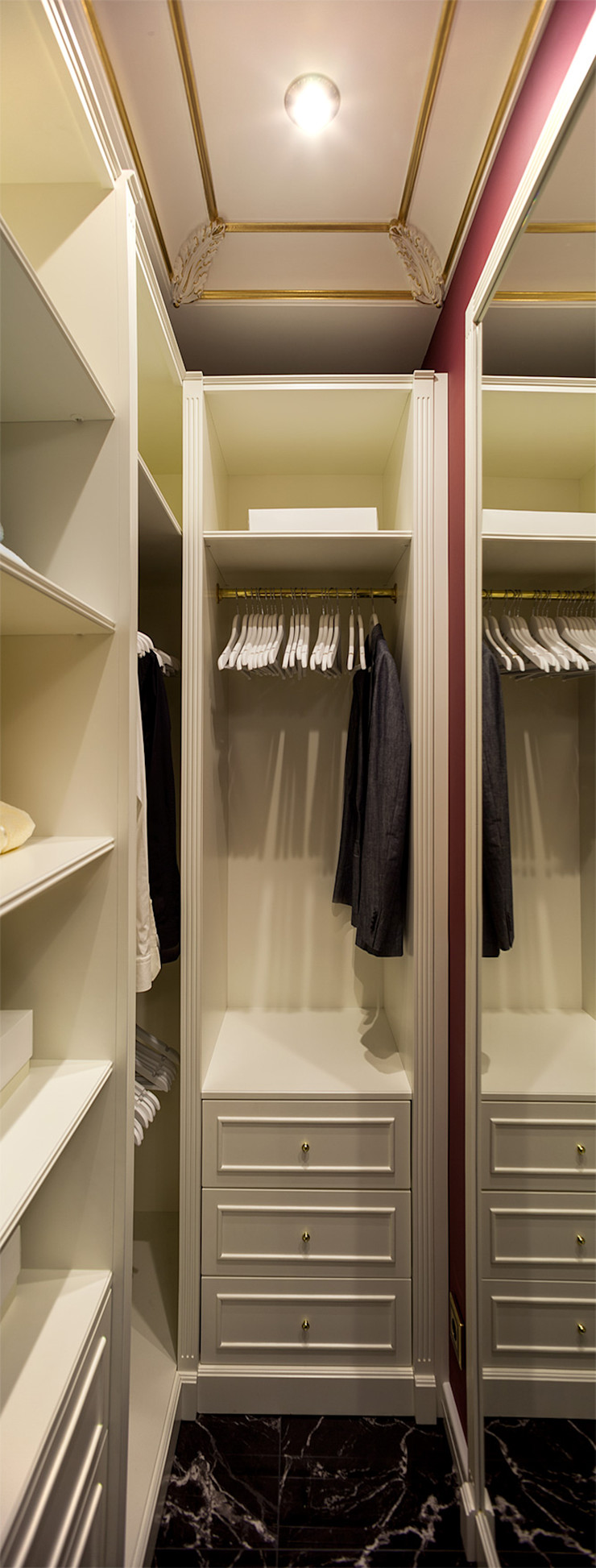 InScale Classic style dressing room