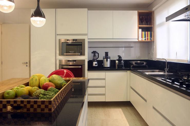 Apartamento Vila Rica Santos Lucia Navajas -Arquitetura & Interiores Cozinhas modernas