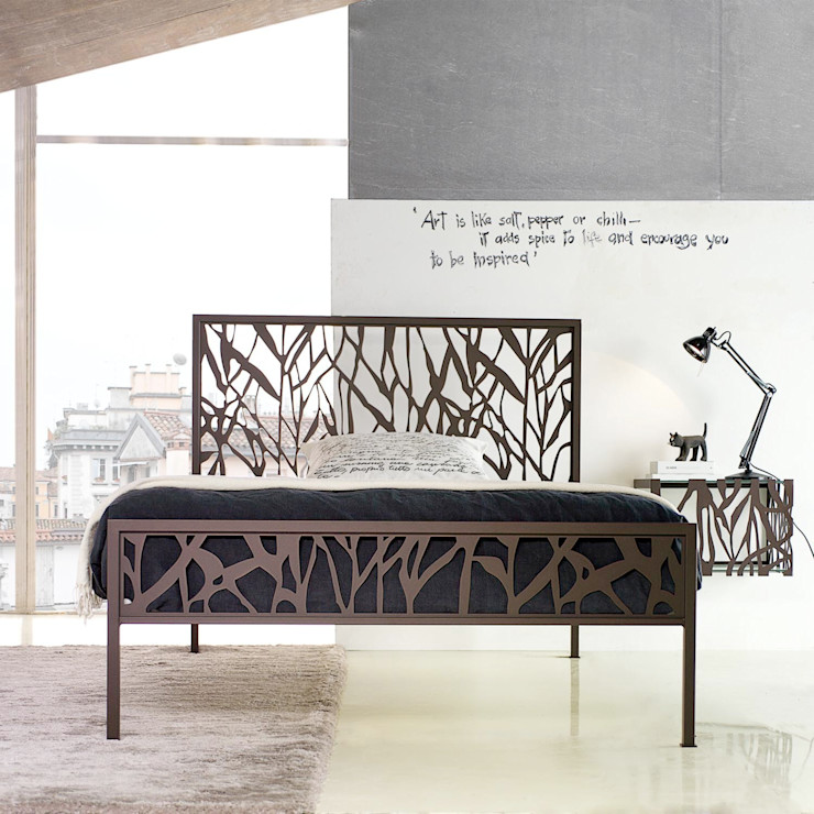 'Green' wrought iron bed with headboard by Cosatto homify 침실침대 & 헤드 보드
