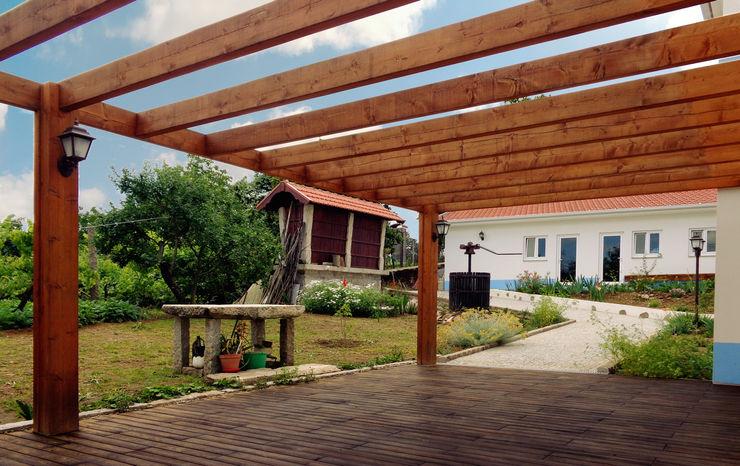 EVA   evolutionary architecture Balkon, Veranda & Terrasse im Landhausstil