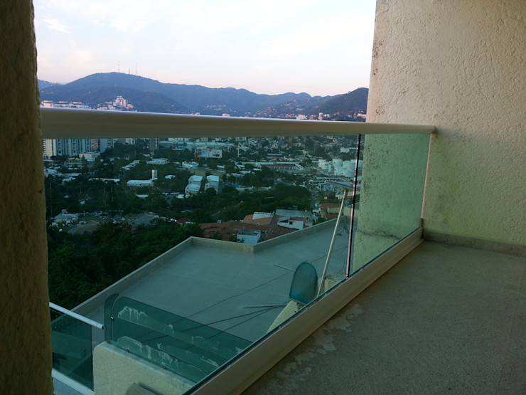 Inter Habity Modern balcony, veranda & terrace