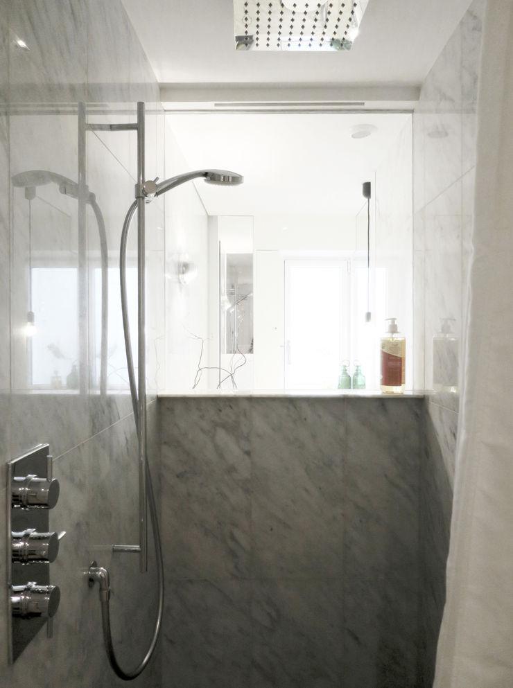 grand cabin de Douche pour un petit apartment Studio Pan Salle de bain moderne
