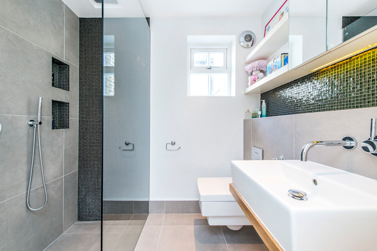 Bathroom homify Modern bathroom