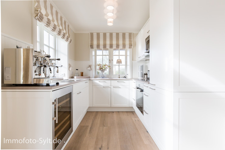 Reetdach Neubau Immofoto-Sylt Landhaus Küchen