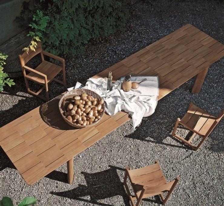 Brick - Roda MOHD - Mollura Home and Design Balcone, Veranda & TerrazzoMobili