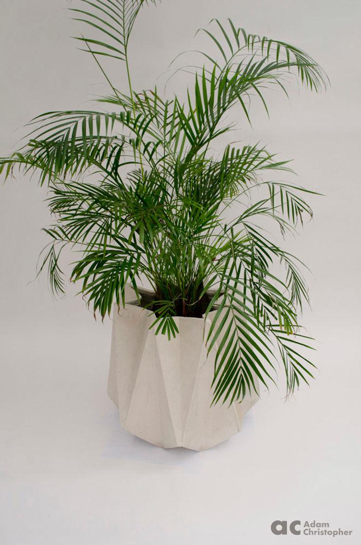 Kronen 65 Planter In White Concrete Adam Christopher Design GiardinoFioriere & Vasi Cemento Bianco
