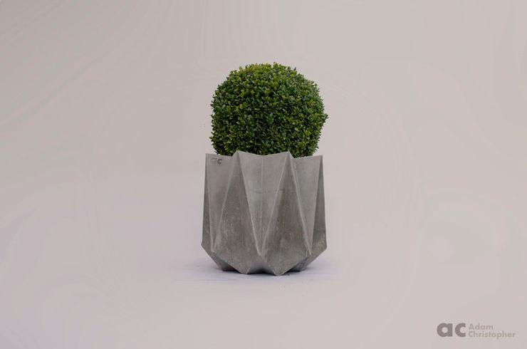 Kronen 54 Planter In Warm Grey Concrete Adam Christopher Design GiardinoFioriere & Vasi Cemento Grigio
