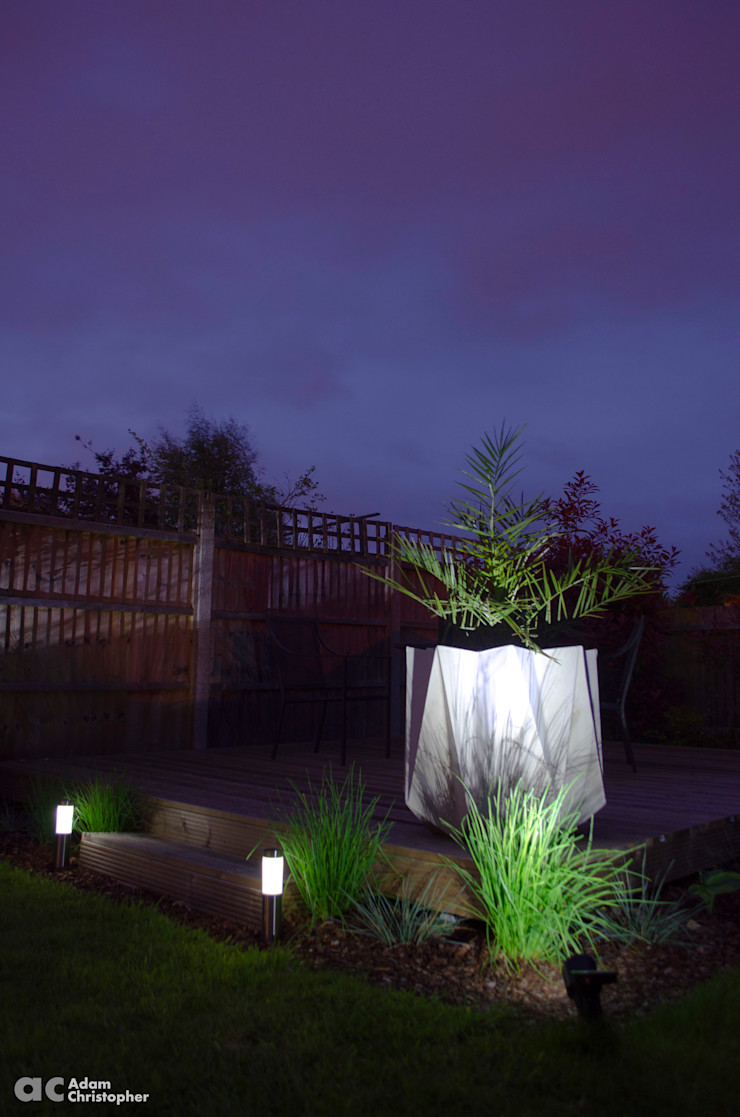 Kronen 65 Planter Warm Grey Concrete Adam Christopher Design GiardinoFioriere & Vasi Cemento Grigio