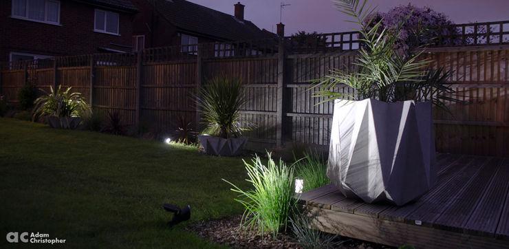 Kronen 65 Planter In Grey GRC Concrete Adam Christopher Design GiardinoFioriere & Vasi Cemento Grigio