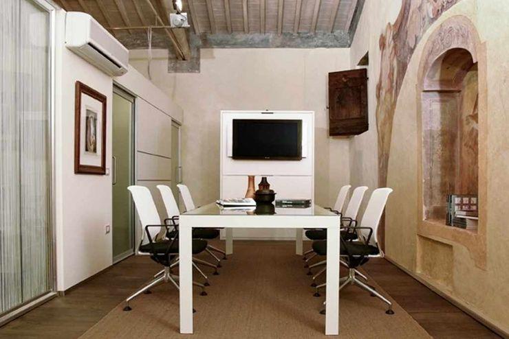 Ex <q>Oratorio della Vergine Maria in veste bianca</q> Studio ARTIFEX Complesso d'uffici moderni