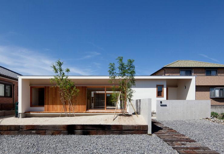 高浜の家 アプローチ 松原建築計画 一級建築士事務所 / Matsubara Architect Design Office 北欧風 家