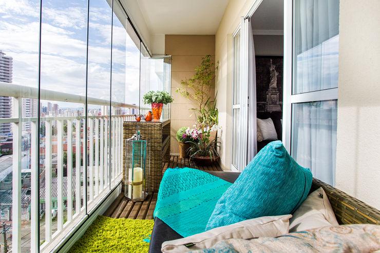 Lo. interiores Balcones y terrazas de estilo rústico