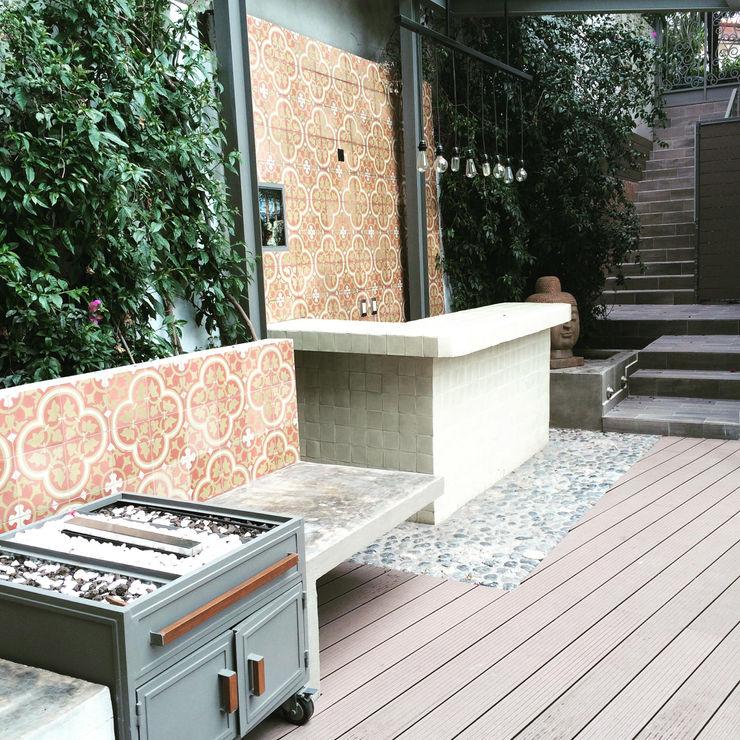 Quinto Distrito Arquitectura Patios & Decks Tiles Red