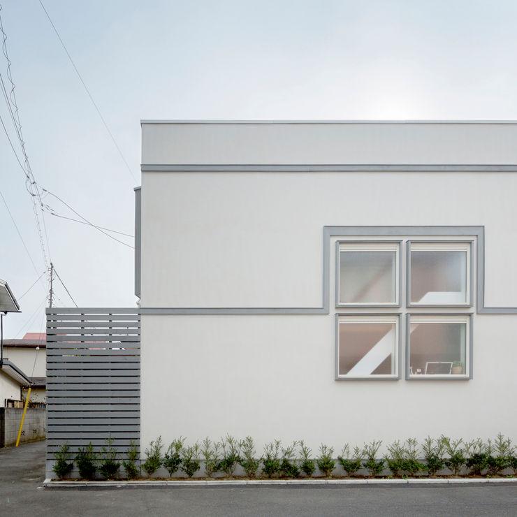 M設計工房 Scandinavian style houses White