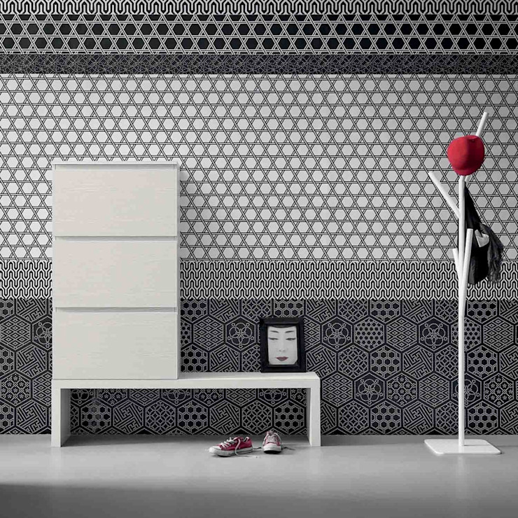 'Minima' Contemporary hallway shoe storage with bench by Birex homify Vestíbulos, pasillos y escalerasAlmacenamiento