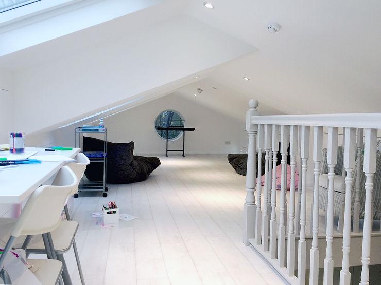Loft GK Architects Ltd KinderzimmerAccessoires und Dekoration