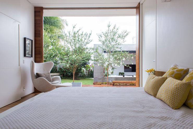 Felipe Bueno Arquitetura Спальня